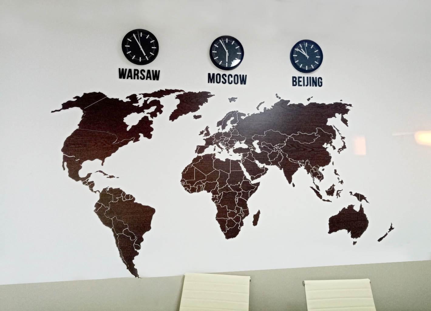 Карта цвета Венге с часами
