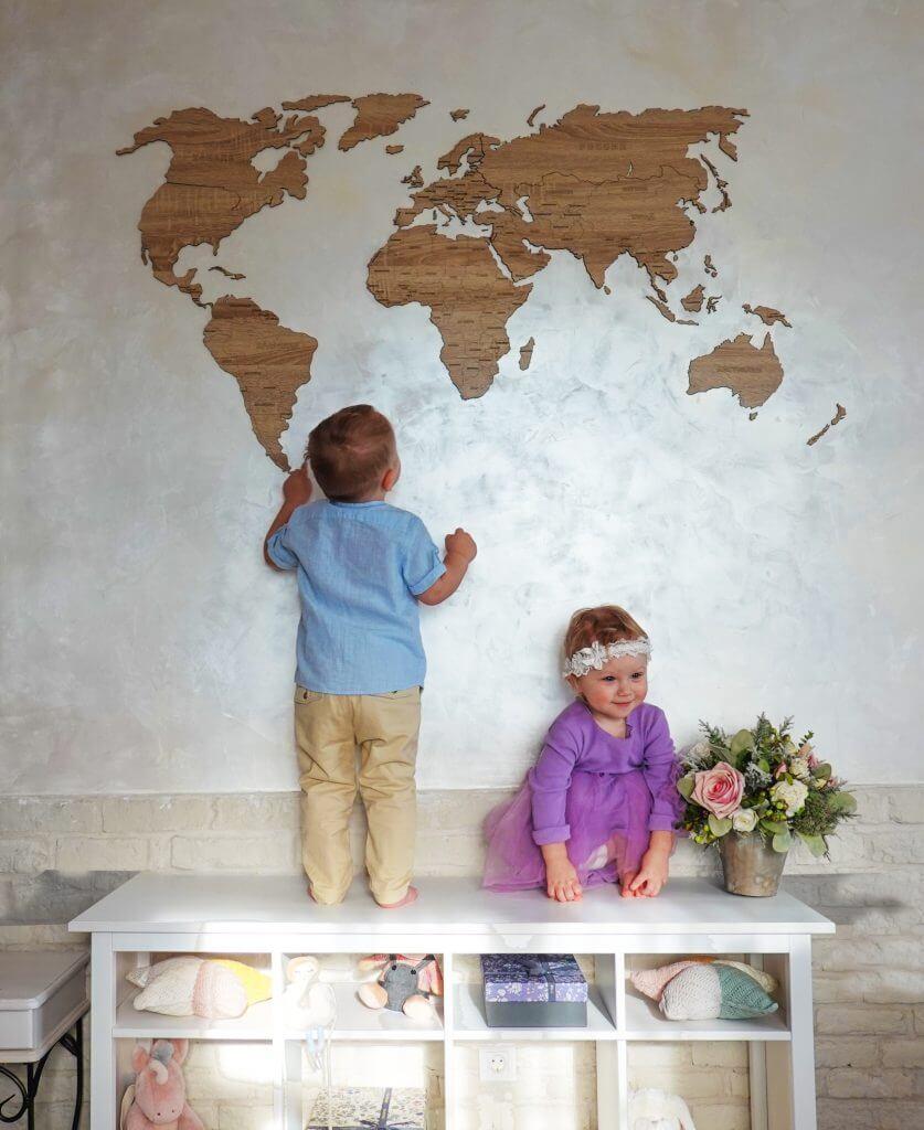 Карта мира с надписями
