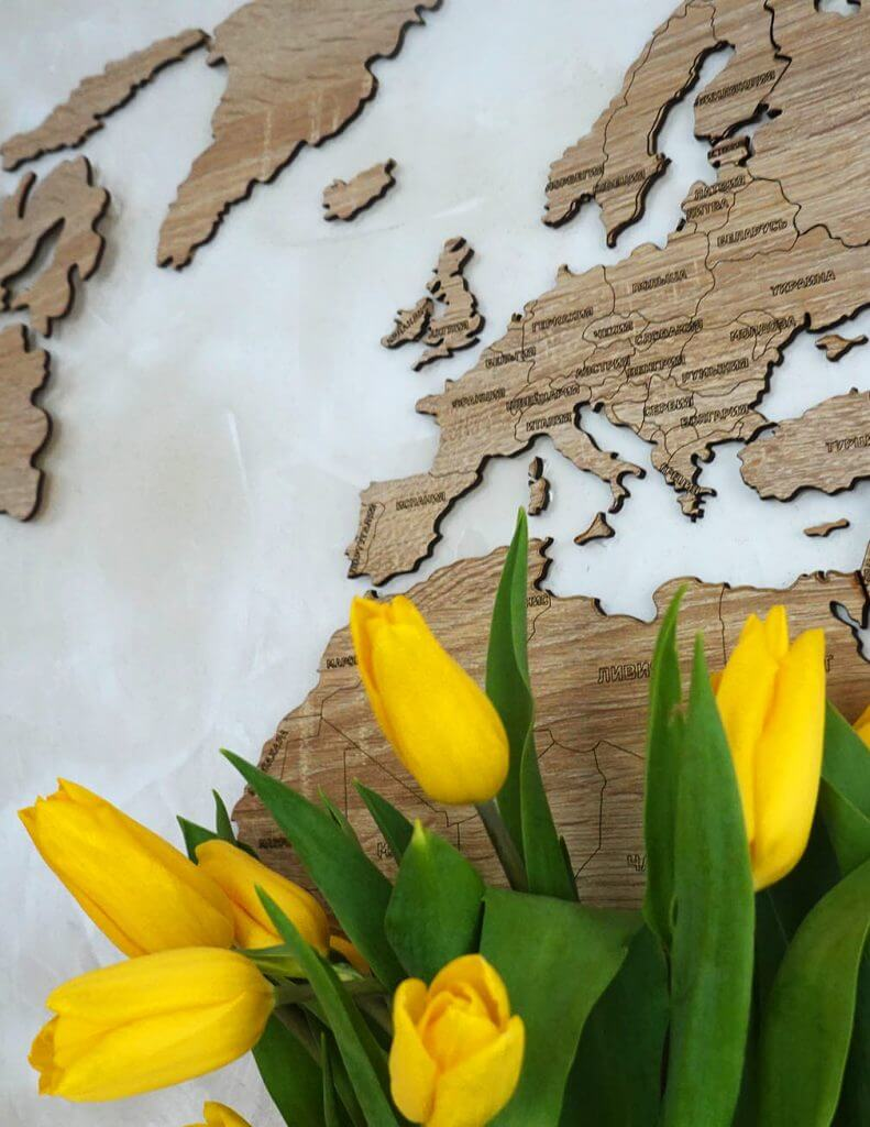 Карта с тюльпанами